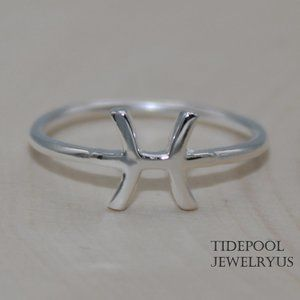 Sterling Silver Pisces Zodiac Sign Ring